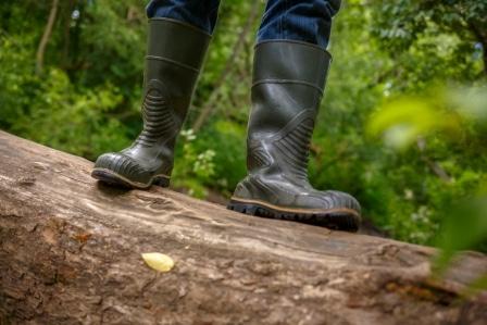 Top 10 Best Waterproof Work Shoes For Men in 2020