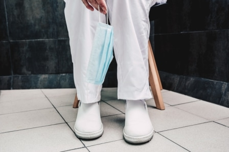 Top 15 Best Shoes for Nurses in 2020