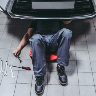 Work Boot Requirements for Car Mechanics