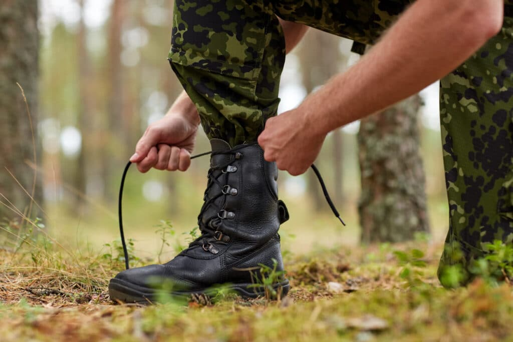 Army Boots VS Tactical Boots - A Complete Comparison