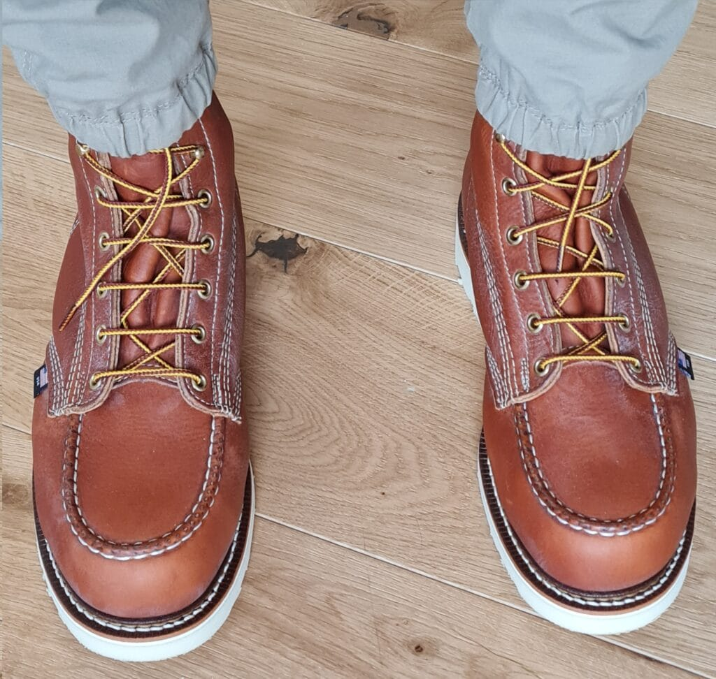 For dependable foot protection without compromising comfort and functionality, moc toe work boots are designed with a distinctive structure that makes them suitable for staying on your feet all day long.