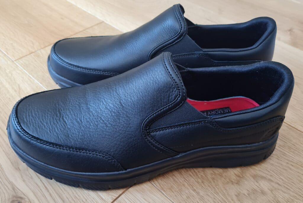Skechers Bronwood Shoes v1