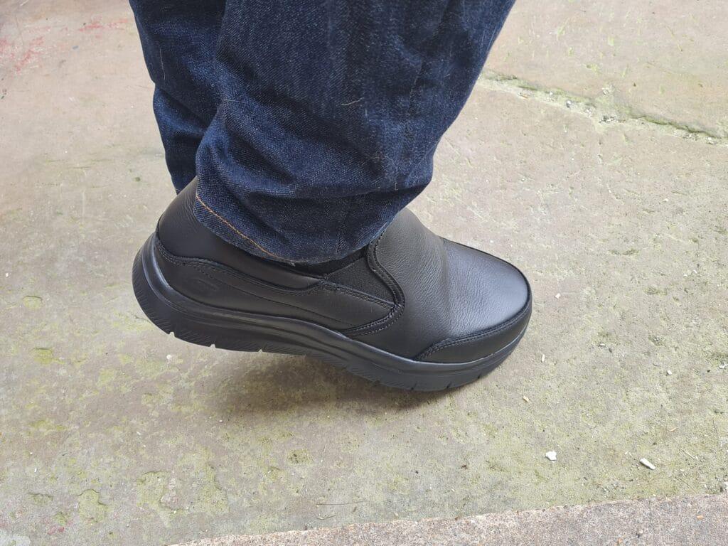 Skechers Bronwood Shoes v7