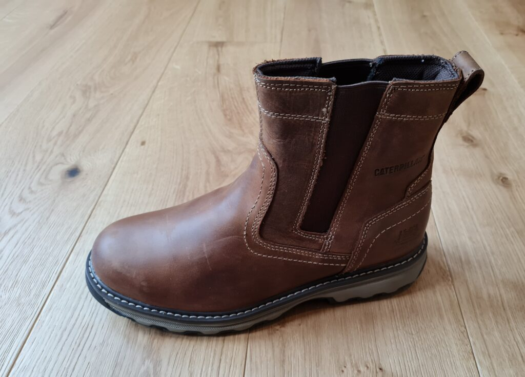ariat groundbreaker chelsea boots - challengers