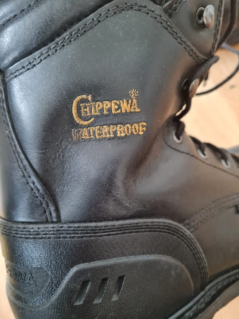 chippewa hammer logger boots v9